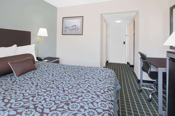 Guest room at the Days Inn Market Center Dallas in Dallas, Texas