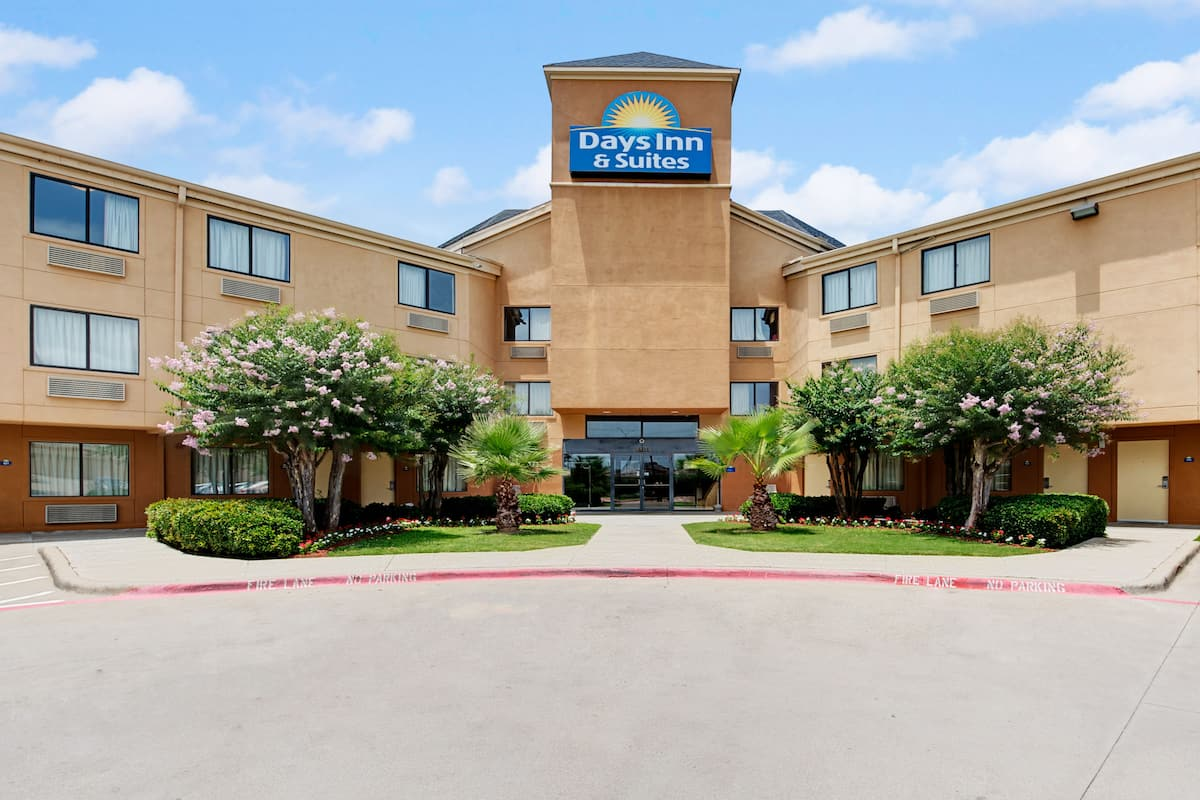 Exterior Of Days Inn Suites Desoto Hotel In Texas