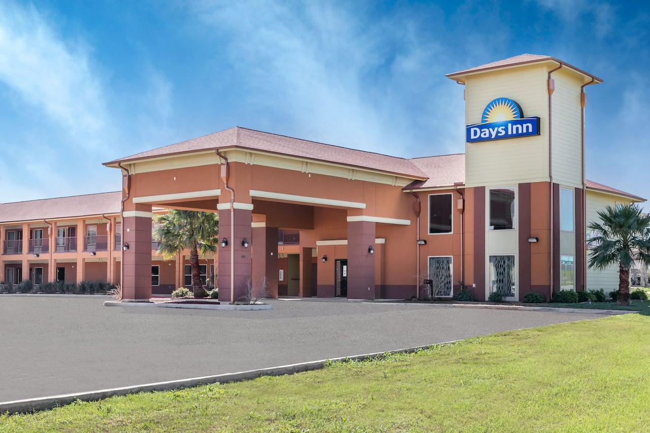 Days Inn Dilley in Pearsall, Texas