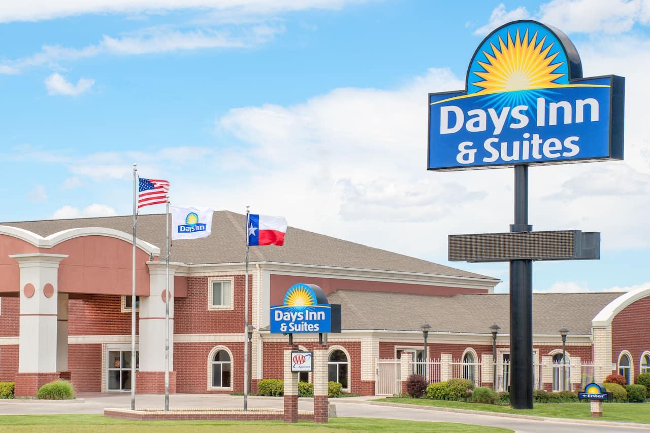 Days Inn & Suites Dumas in Dumas, Texas