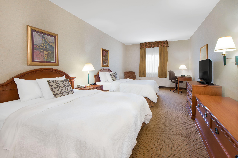 Guest room at the Days Inn & Suites Dumas in Dumas, Texas