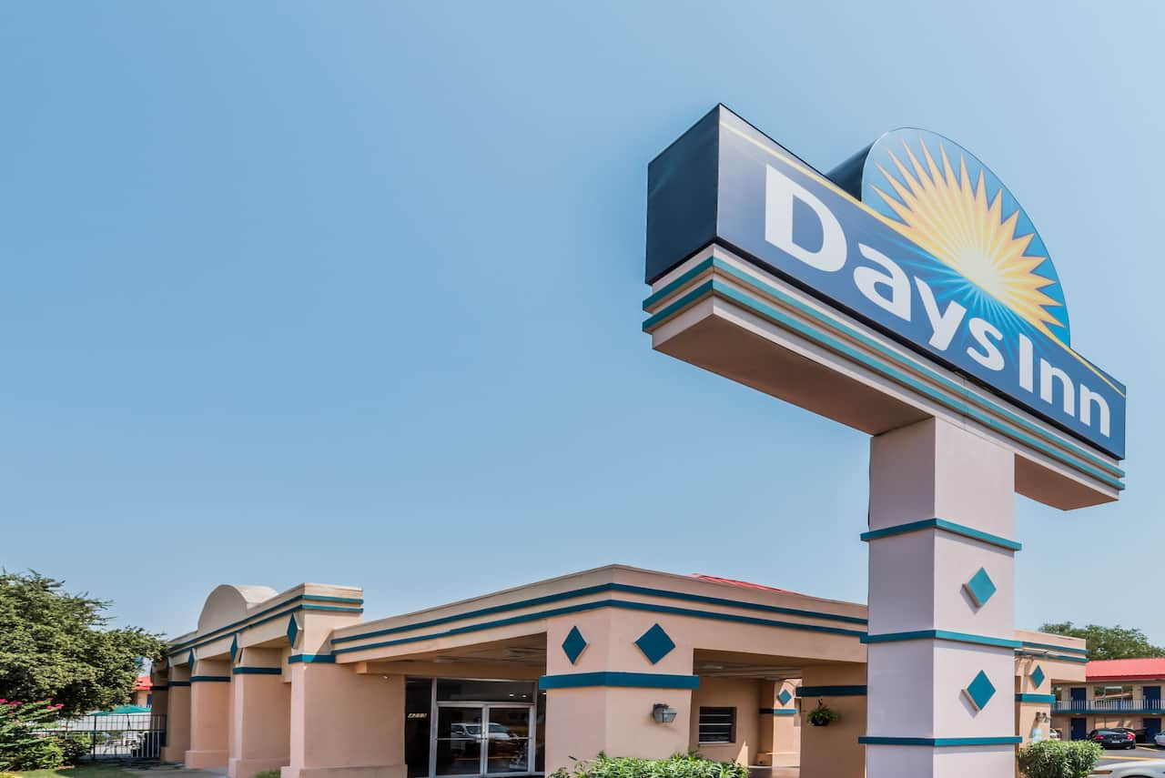 Days Inn South Fort Worth in Keene, Texas