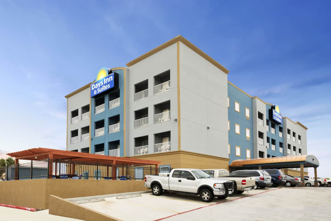 Days Inn & Suites Galveston West/Seawall in Kemah, Texas