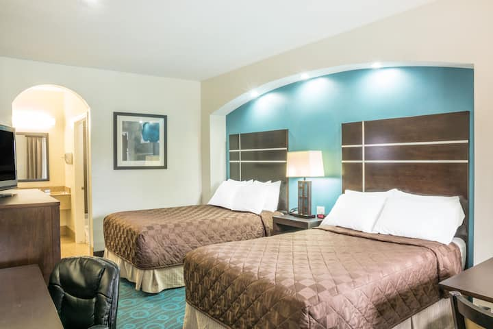 Guest room at the Days Inn Humble/Houston Intercontinental Airport in Humble, Texas