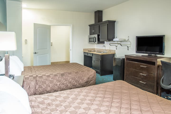 Days Inn Humble/Houston Intercontinental Airport suite in Humble, Texas