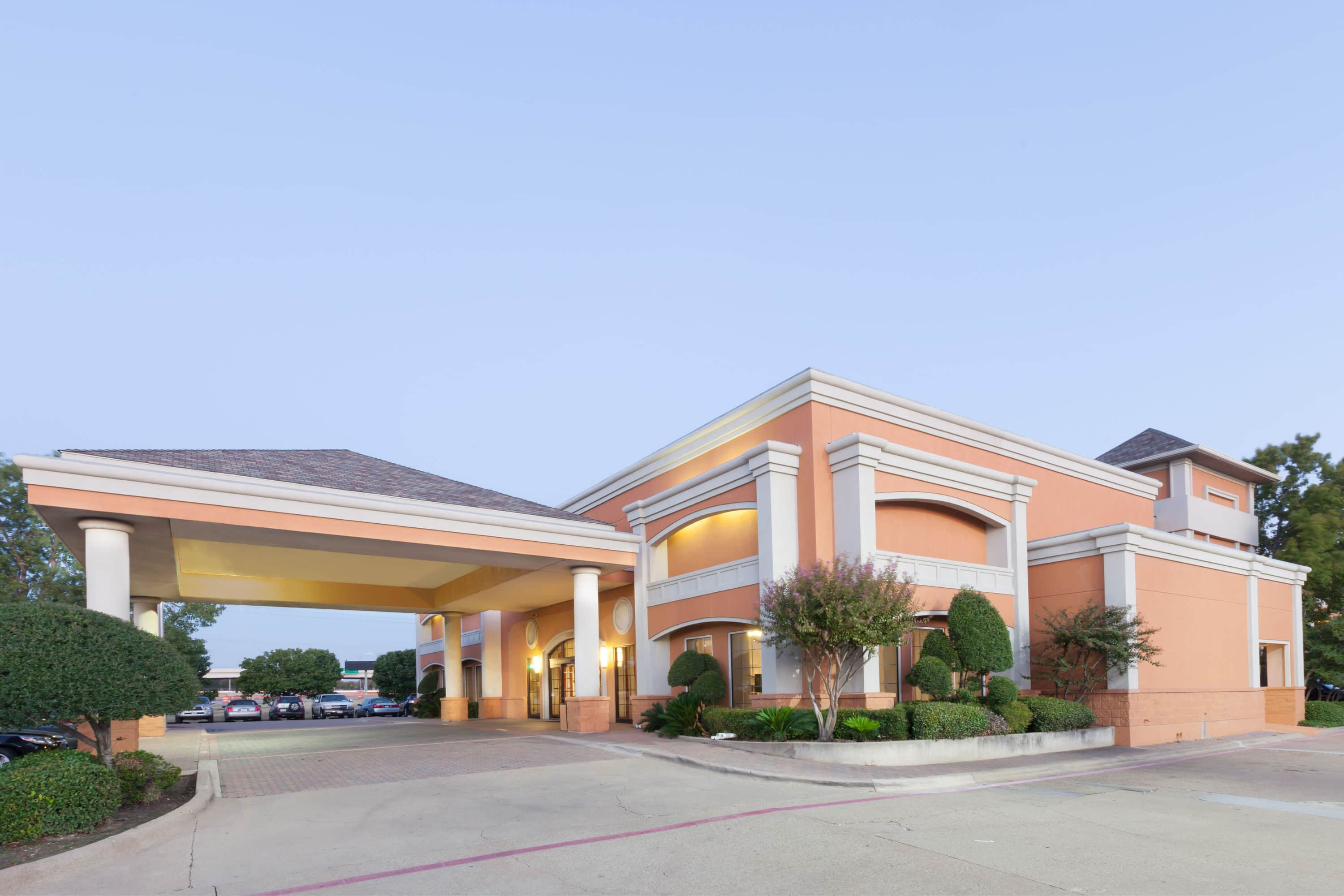 Dallas Airport Hotels >> Days Inn By Wyndham Irving Grapevine Dfw Airport North