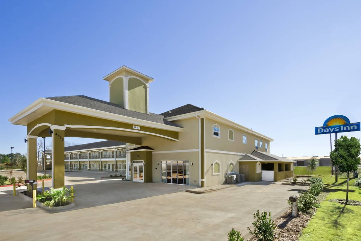 Exterior Of Days Inn Kilgore Hotel In Texas