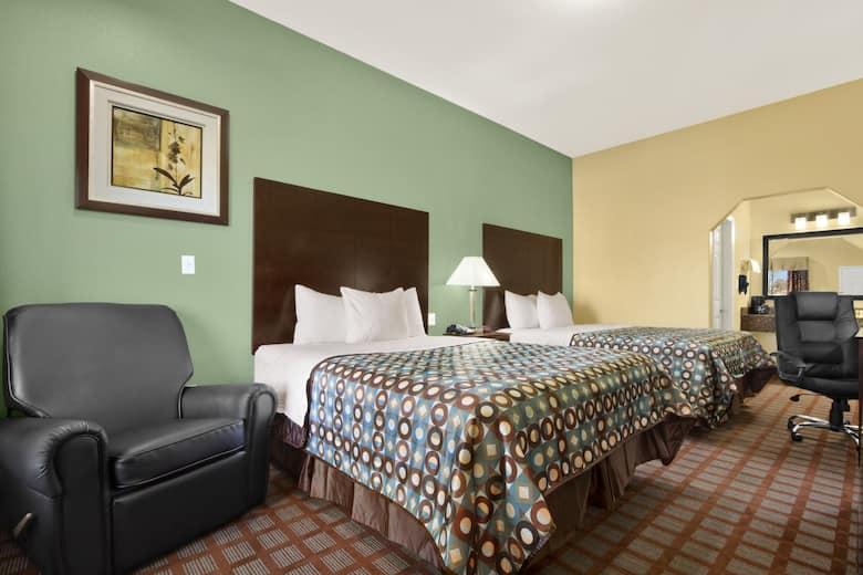 Guest Room At The Days Inn Kilgore In Texas