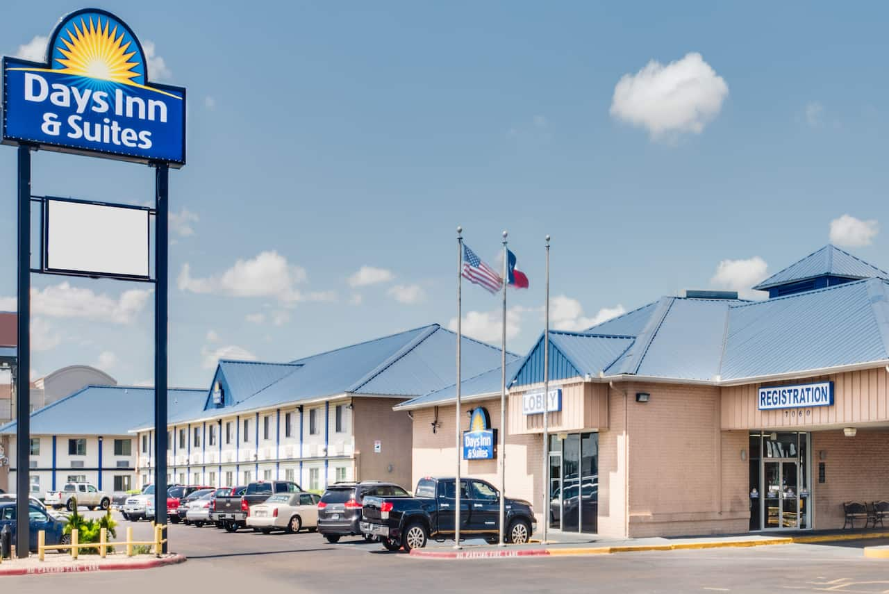 Days Inn & Suites Laredo in Webb, Texas
