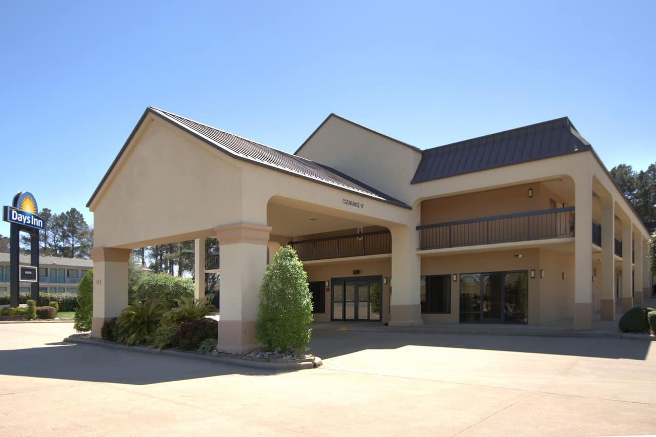 Days Inn Longview South in Henderson, Texas