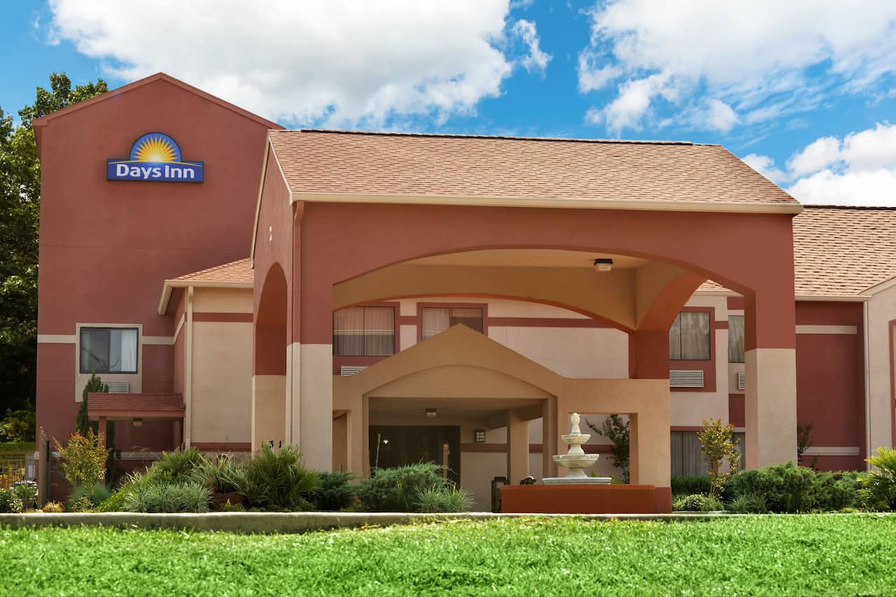 Days Inn Lumberton in Lumberton, Texas