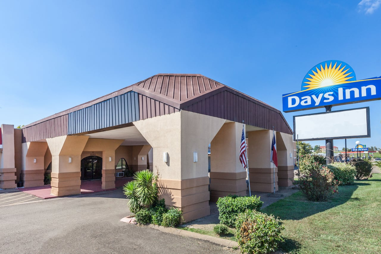 Days Inn Mt. Pleasant in Mount Pleasant, Texas