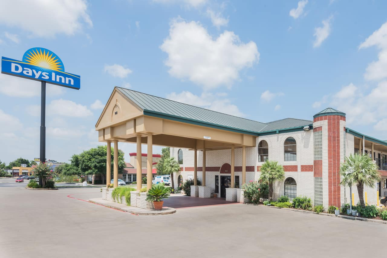 Days Inn New Braunfels in Seguin, Texas