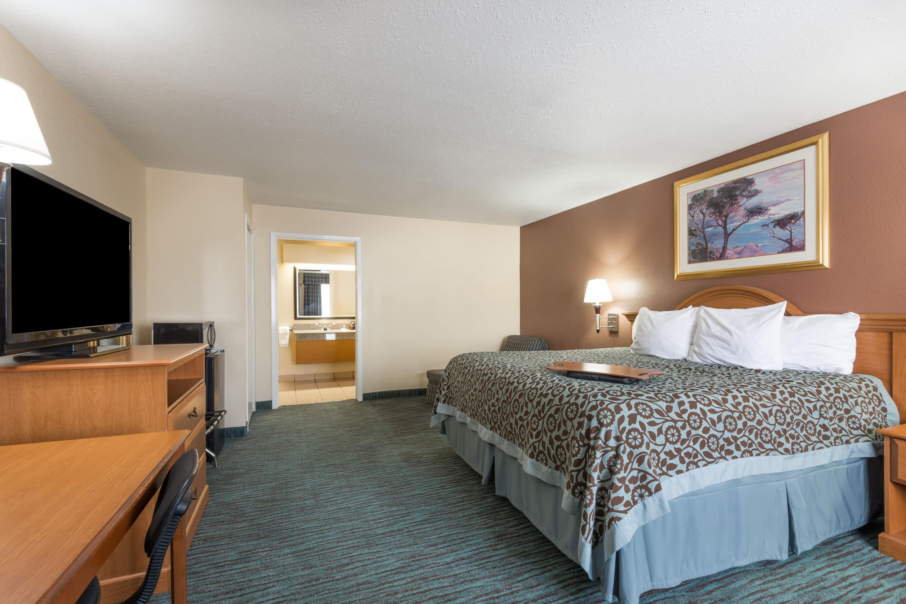 Guest room at the Days Inn New Braunfels in New Braunfels, Texas