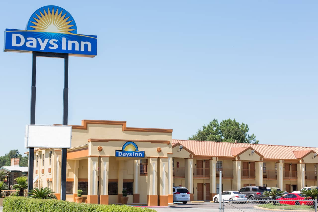 Days Inn Orange in Port Arthur, Texas