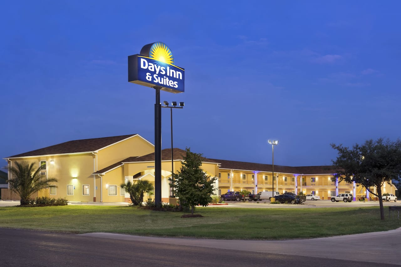 Days Inn Pearsall in Dilley, Texas