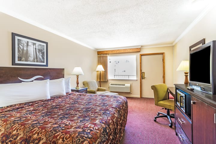 Guest room at the Days Inn San Antonio Southeast By AT&T Center in San Antonio, Texas
