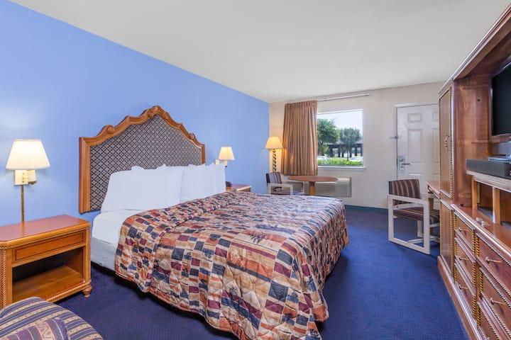 Guest room at the Days Inn San Antonio in San Antonio, Texas