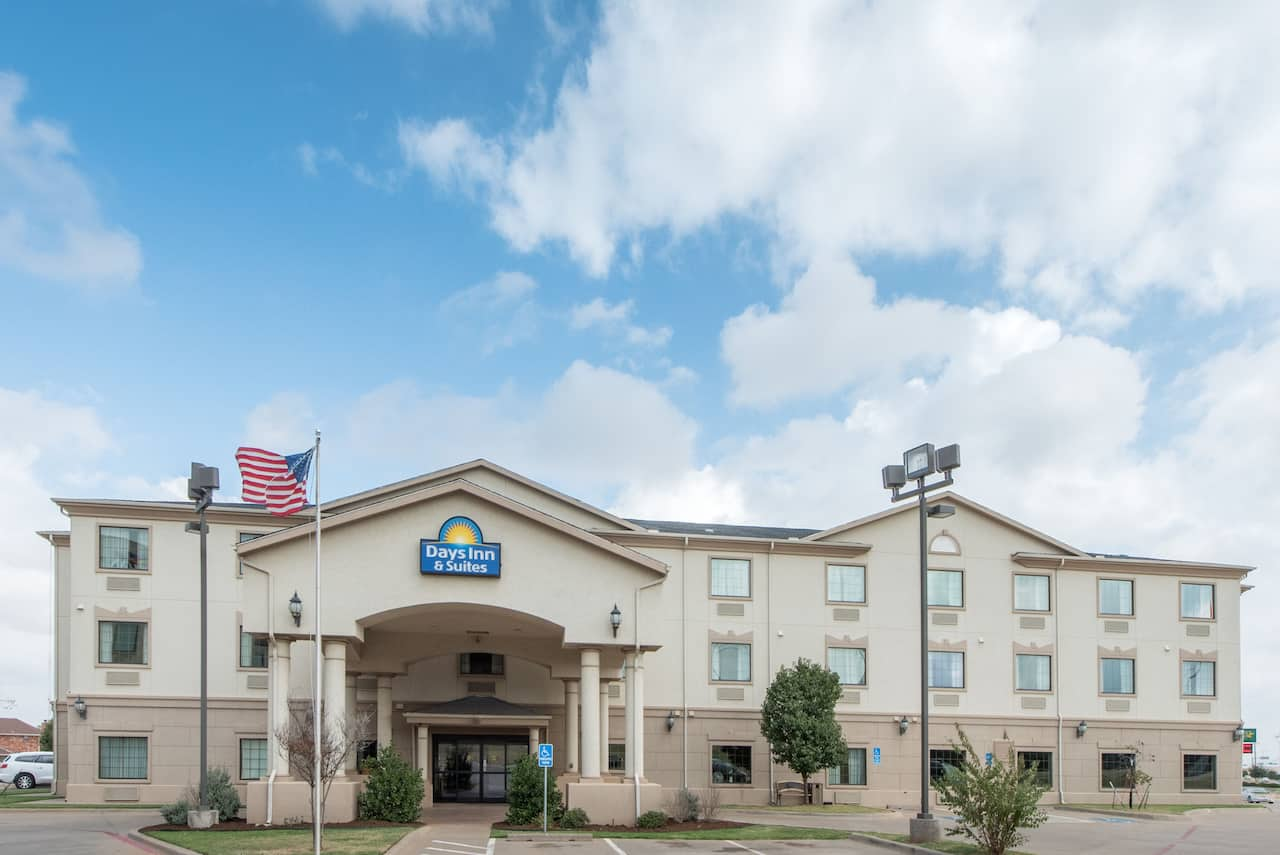 Days Inn & Suites Wichita Falls in Wichita Falls, Texas
