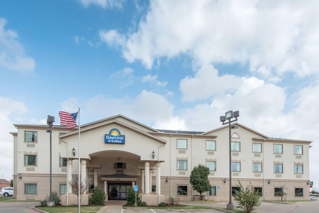 Days Inn & Suites Wichita Falls in Wichita, Texas
