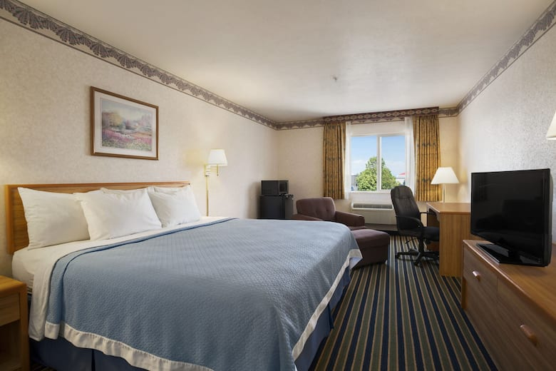 Guest Room At The Days Inn By Wyndham Springville In Utah