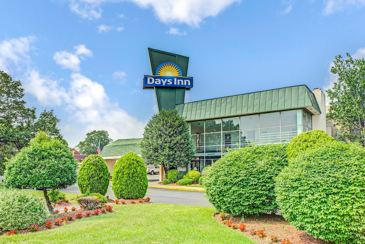 Days Inn Arlington/Washington DC in  Washington Navy Yard,  District of Columbia