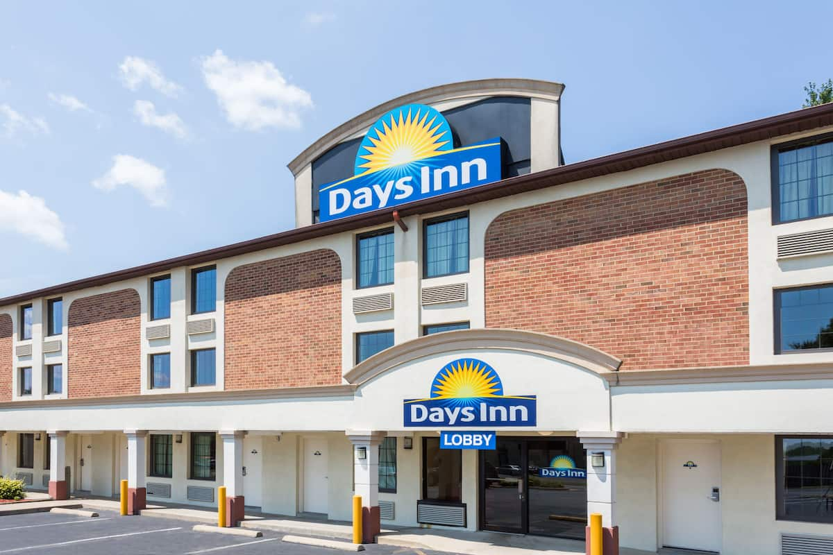 Exterior Of Days Inn Dumfries Quantico Hotel In Virginia