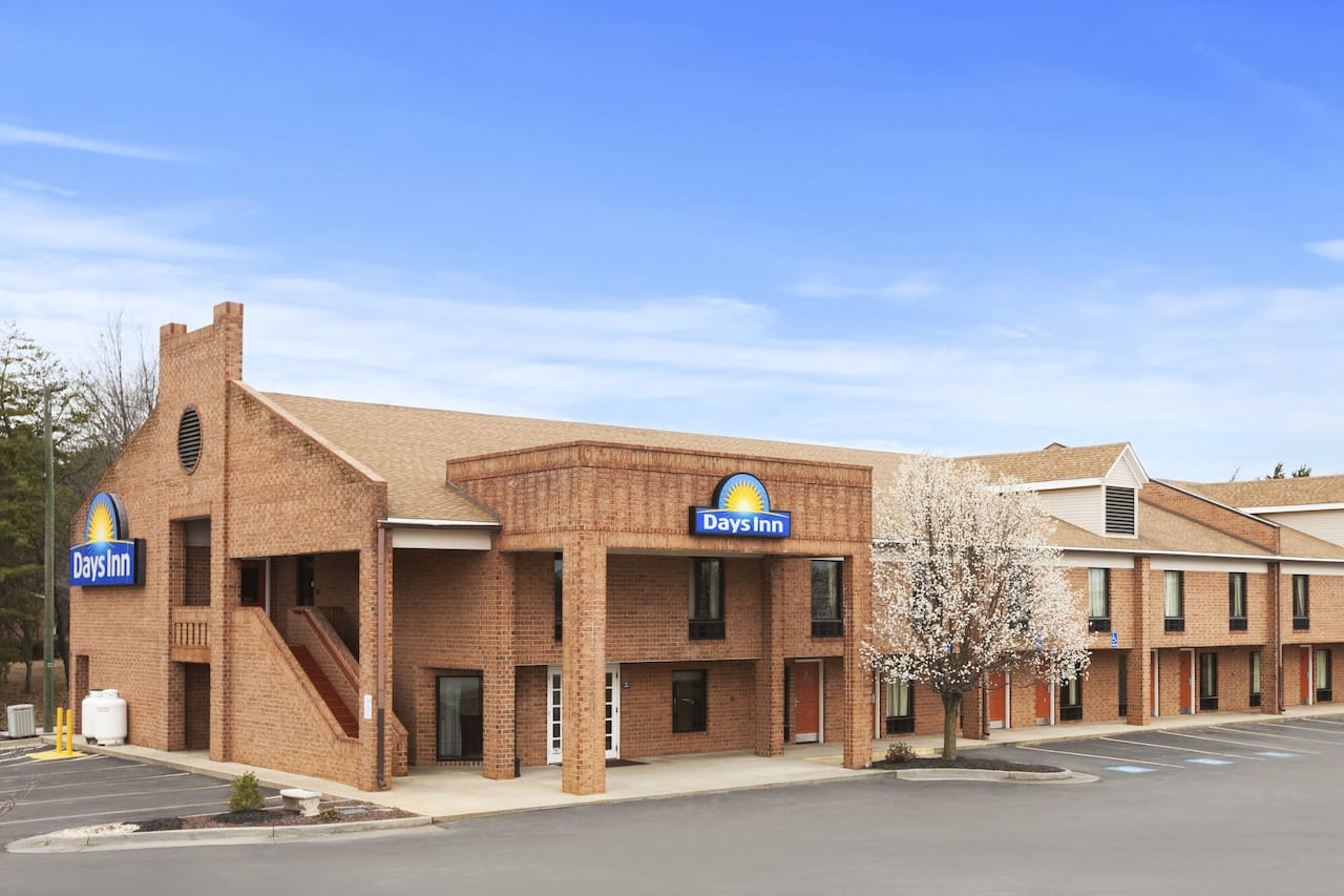 Days Inn Farmville in  Appomattox,  Virginia