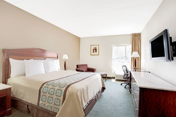 Guest room at the Days Inn Newport News Near City Center at Oyster Point in Newport News, Virginia