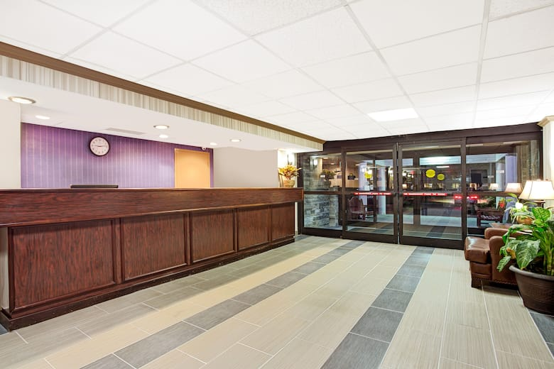 Days Inn Newport News Near City Center At Oyster Point Hotel Lobby In