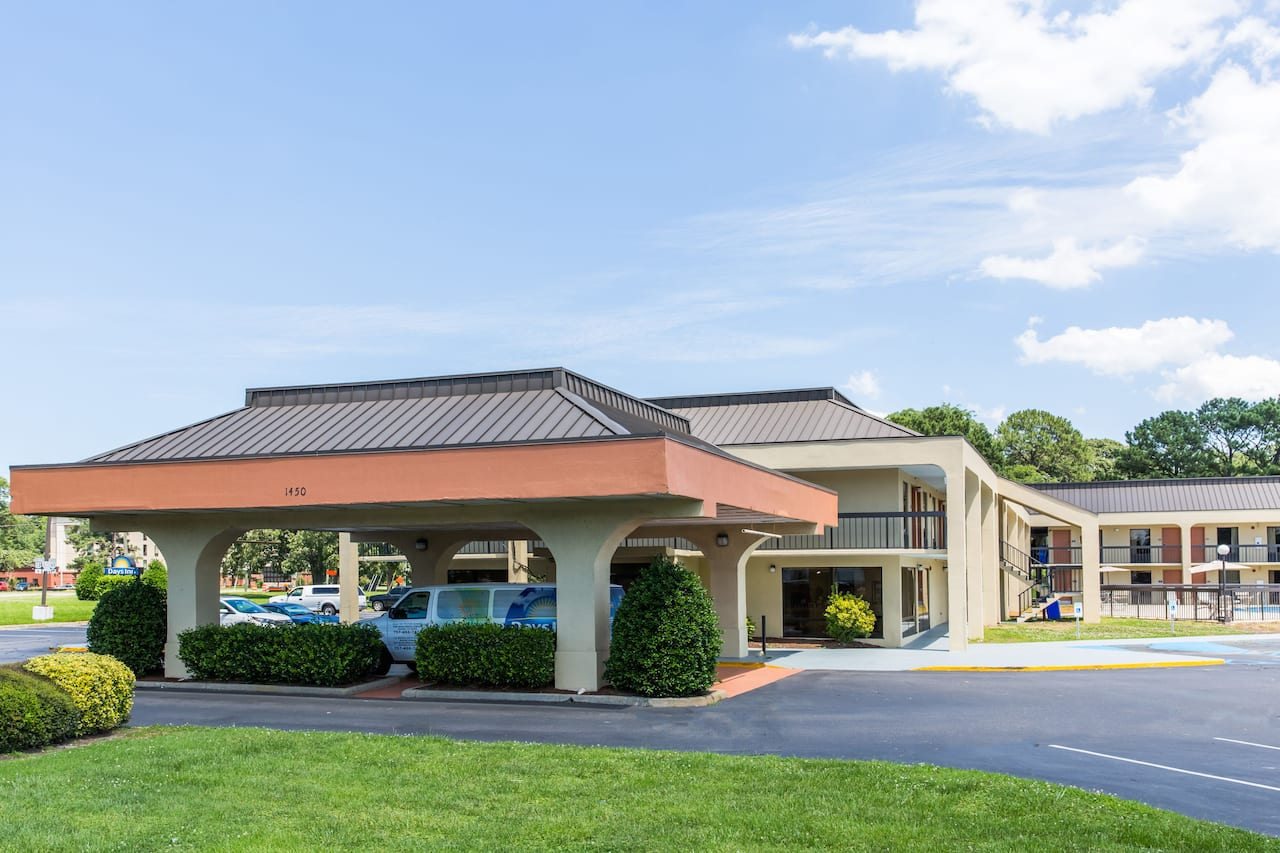 Days Inn Norfolk Airport in Hampton, Virginia