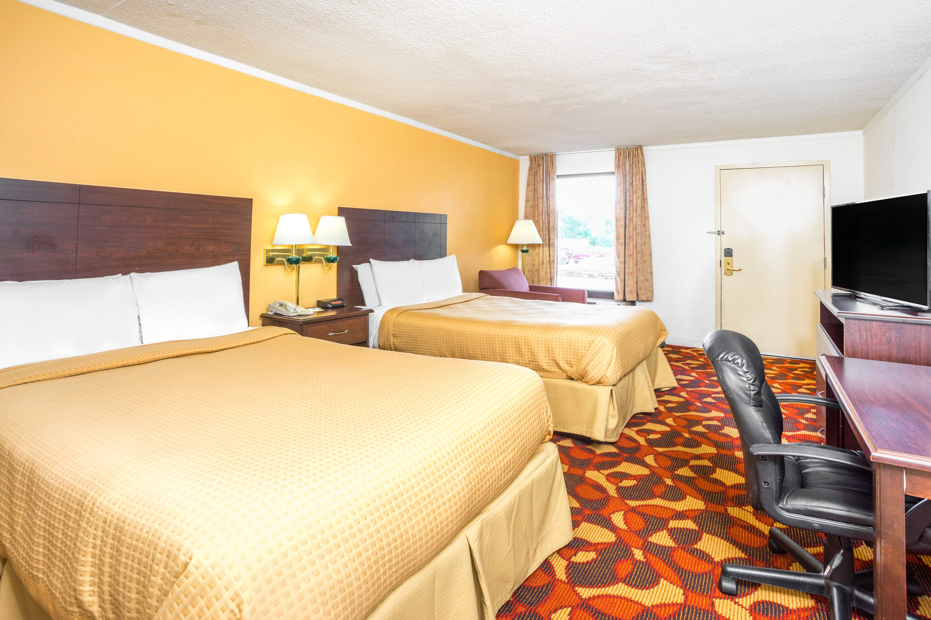 Guest room at the Days Inn Salem in Salem, Virginia
