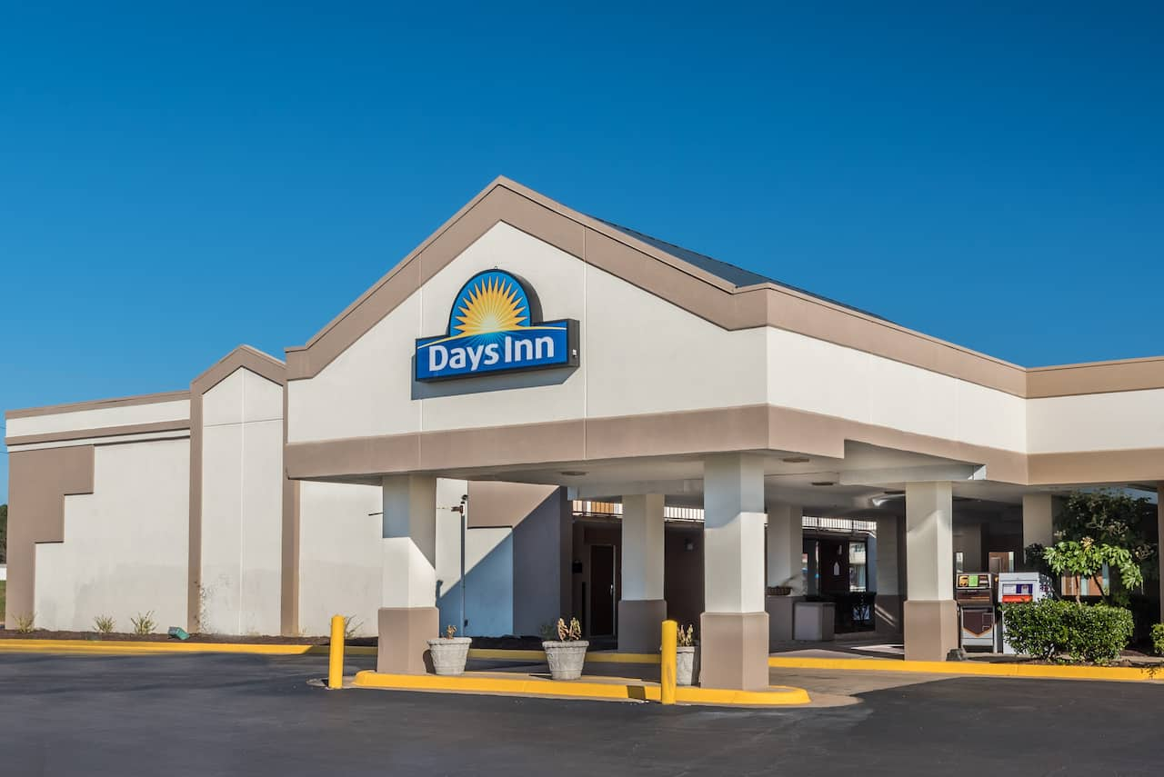 Days Inn South Hill in  South Hill,  Virginia