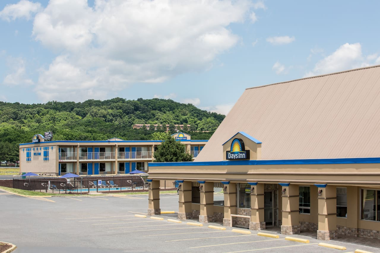 Days Inn Staunton South in Staunton, Virginia
