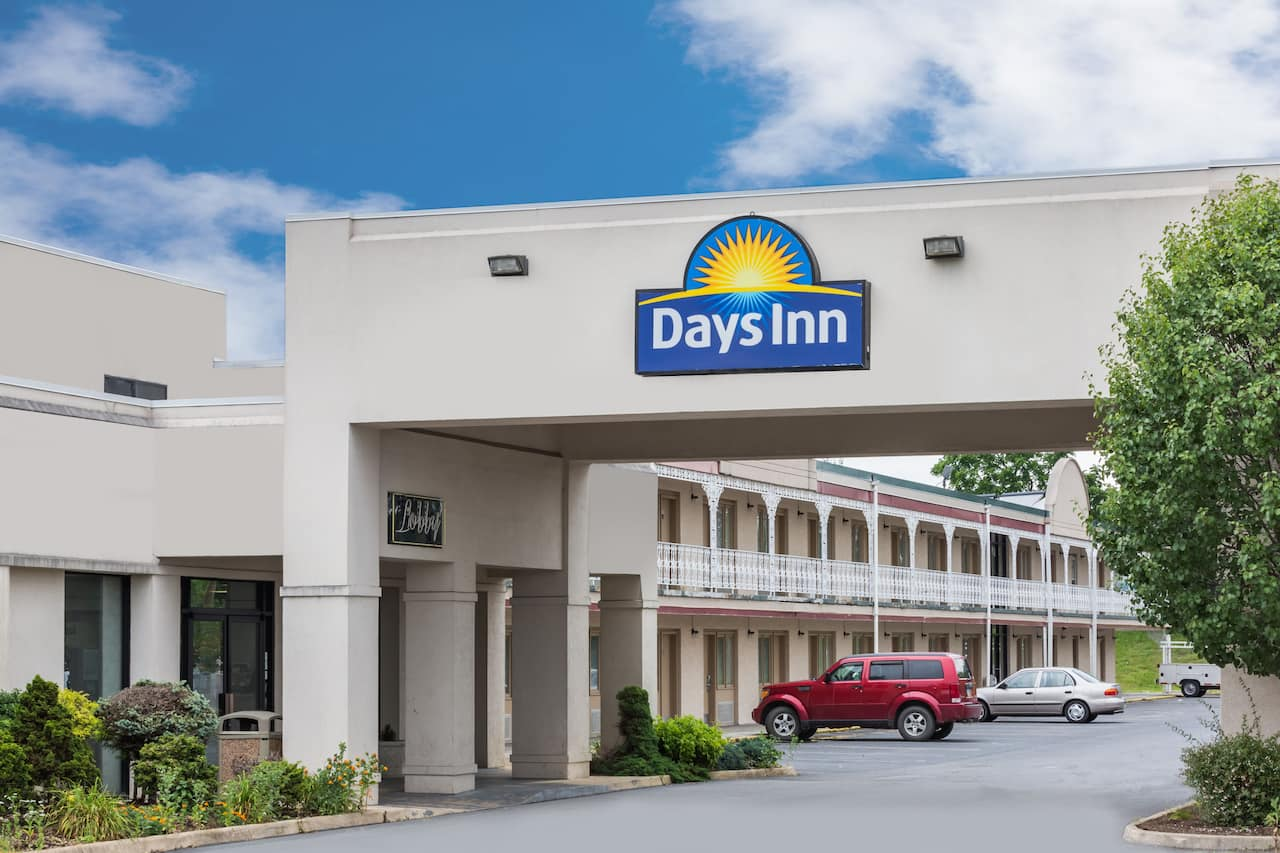 Days Inn Staunton North in Waynesboro, Virginia