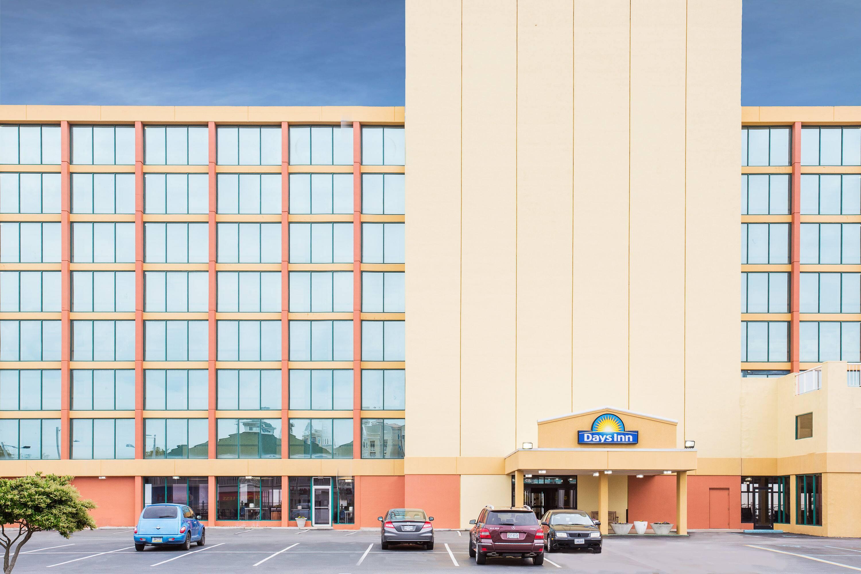 Days Inn By Wyndham Virginia Beach Oceanfront Va Hotels