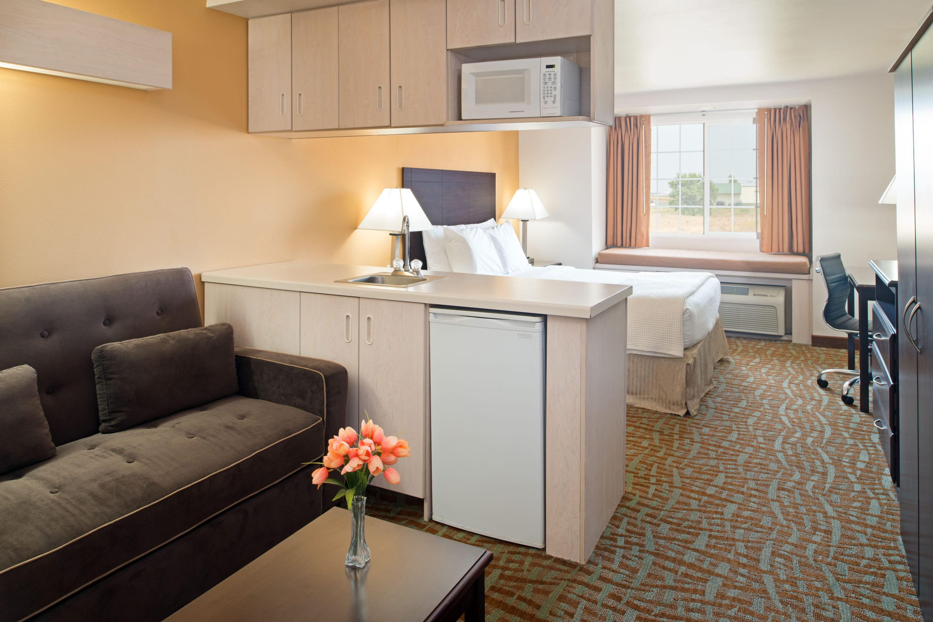 Days Inn & Suites Spokane Airport Airway Heights suite in Airway Heights, Washington