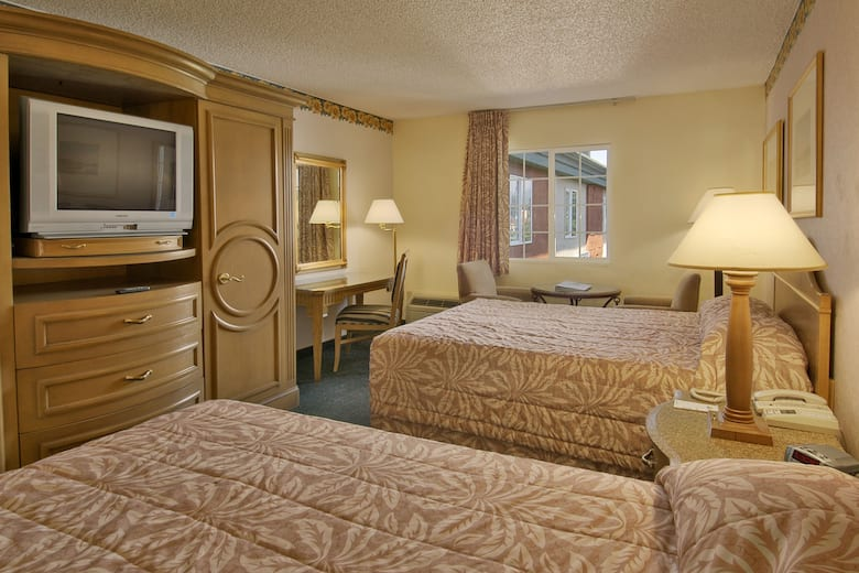 Guest Room At The Days Inn Mt Vernon In Mount Washington