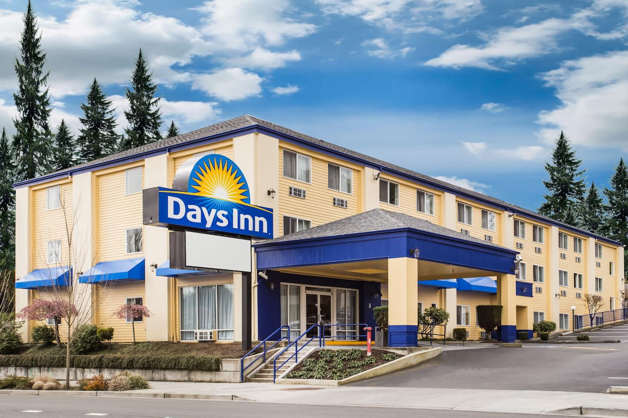 Days Inn Seattle Aurora in Kenmore, Washington