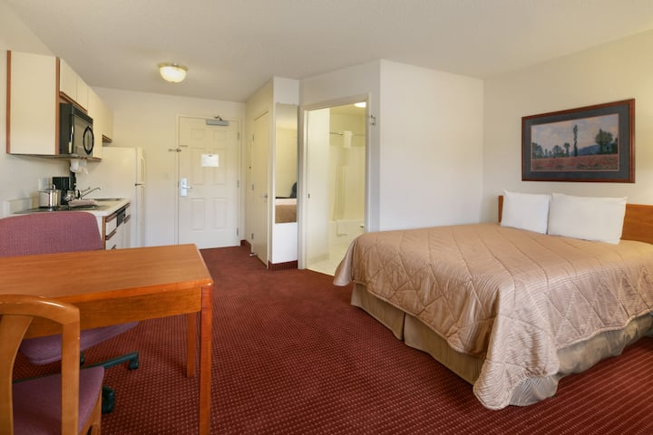 Guest room at the Days Inn & Suites Green Bay WI. in Green Bay, Wisconsin