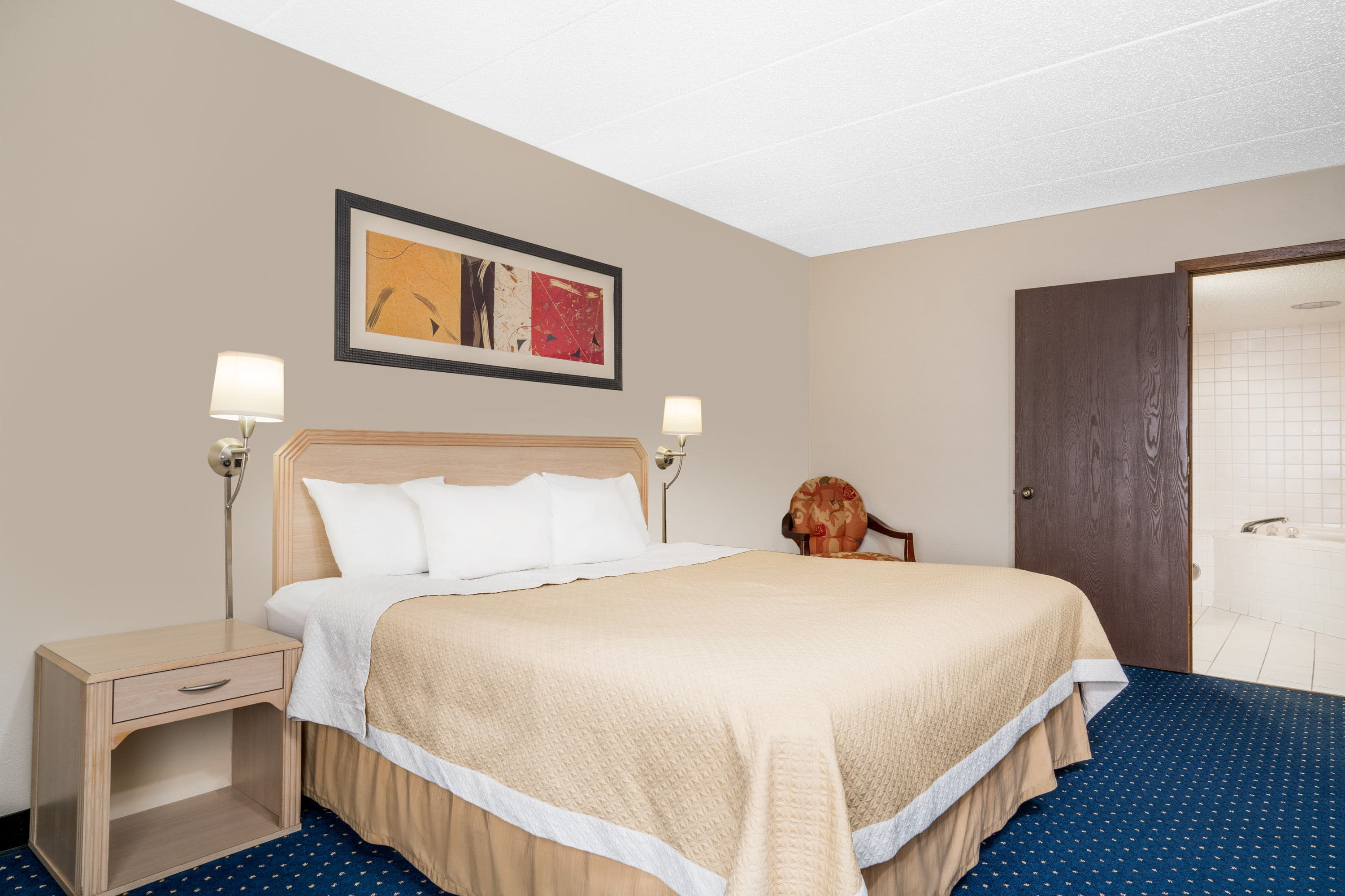 Guest room at the Days Inn La Crosse Conference Center in La Crosse, Wisconsin