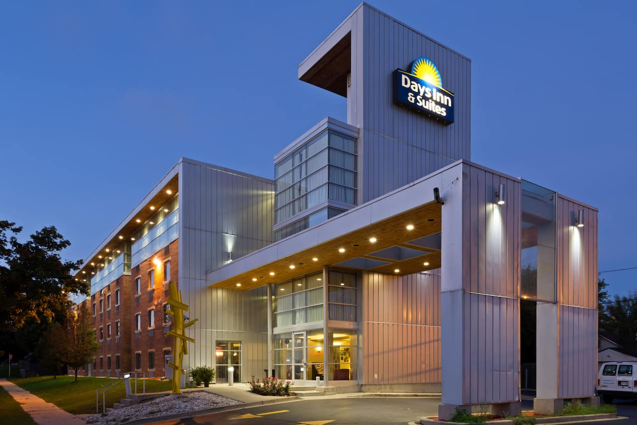 Days Inn & Suites Milwaukee in Waukesha, Wisconsin
