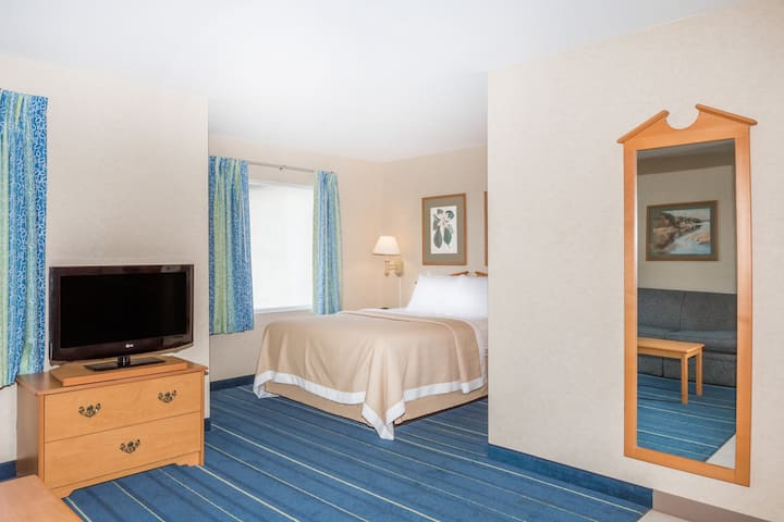 Guest room at the Days Inn & Suites Bridgeport - Clarksburg in Bridgeport, West Virginia