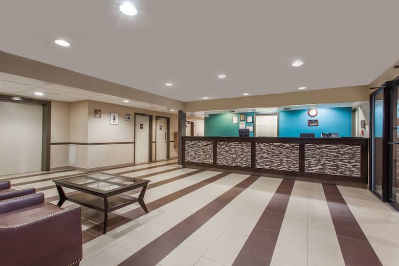 Days Inn By Wyndham Martinsburg Hotel Lobby In West Virginia