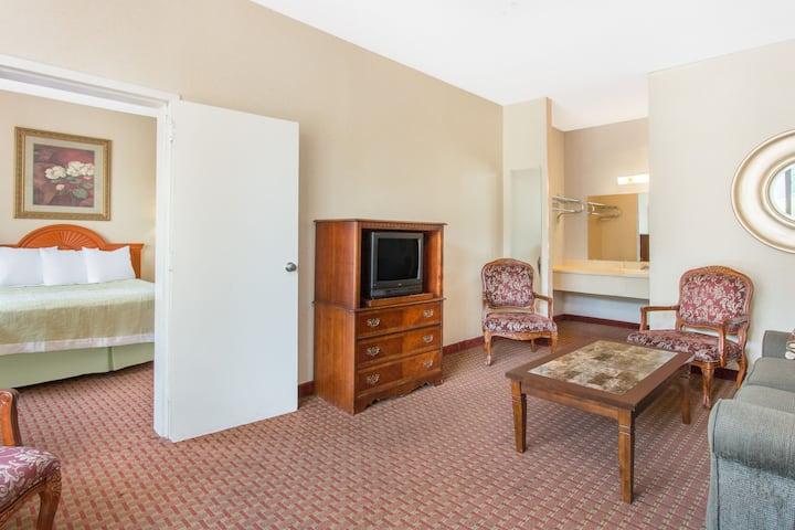 Days Inn Princeton suite in Princeton, West Virginia