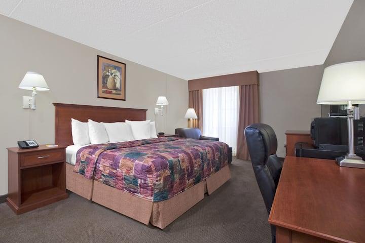 Guest room at the Days Inn Casper in Casper, Wyoming