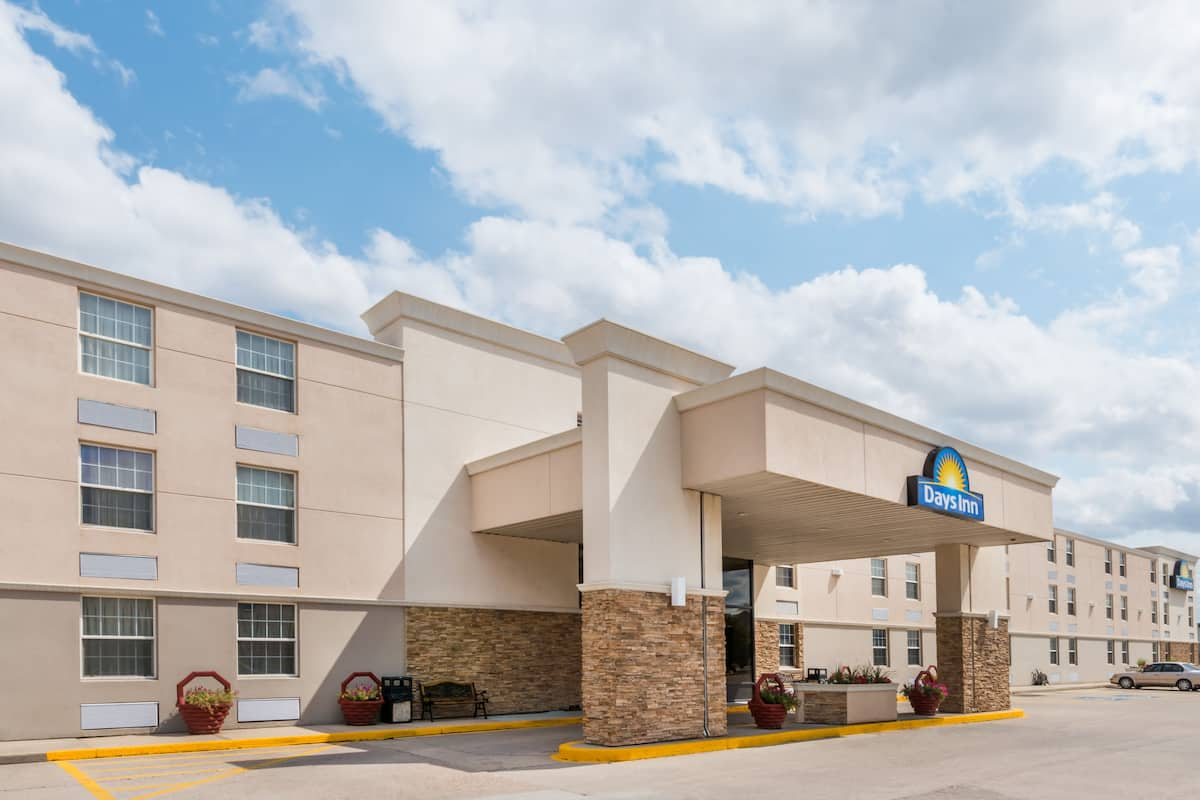 Exterior Of Days Inn Gillette Hotel In Wyoming