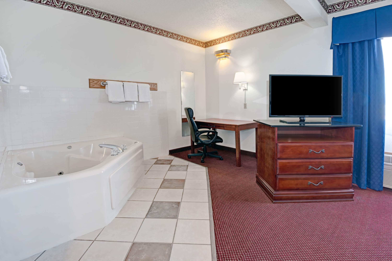 Days Inn Laramie suite in Laramie, Wyoming