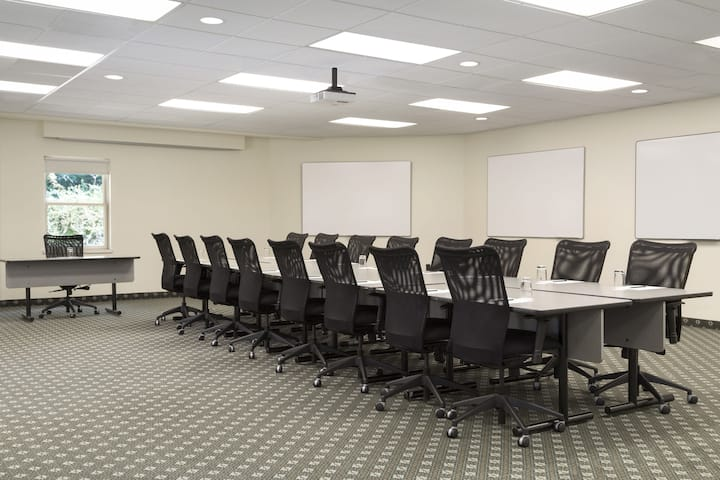 Meeting room at Ivey Spencer Leadership Center in London, Ontario