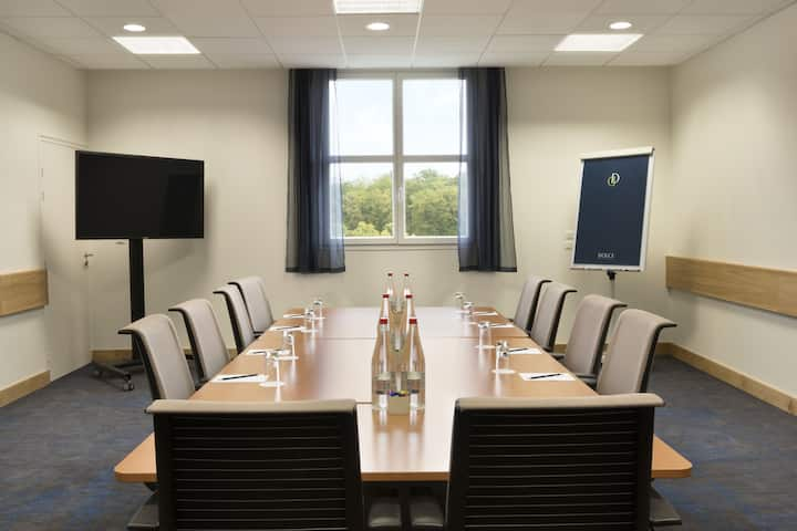 Meeting room at Dolce Chantilly in Chantilly, Other than US/Canada